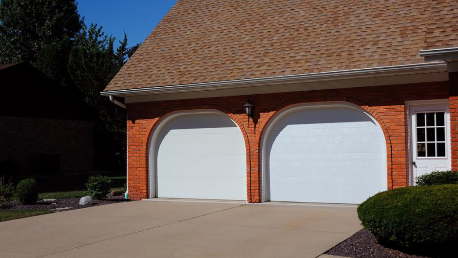 Residential Garage Doors - North Georgia Gutters and Garage Doors & Garage Door Repair Athens GA | Repair and Service for Garage Doors pezcame.com